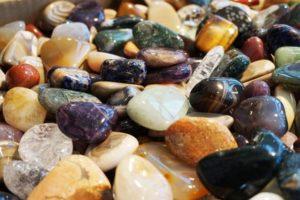 pierres-au-pouvoir-guerisseur-lithothérapie-cristaux