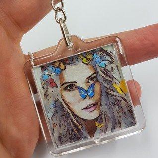 porte-clefs femme-papillon